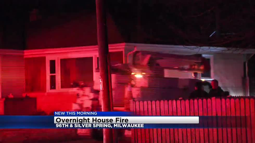 No one hurt in overnight Milwaukee house fire
