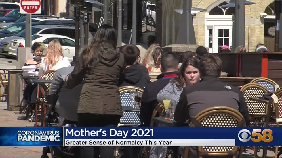 Milwaukee area moms celebrate, reflect on second pandemic Mother's...