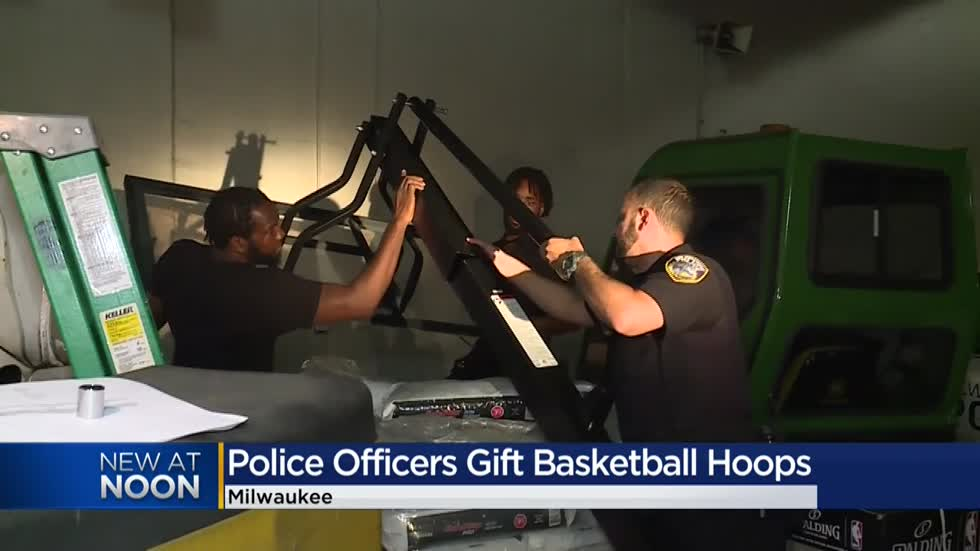 Milwaukee police buy basketballs, hoops for kids in the community