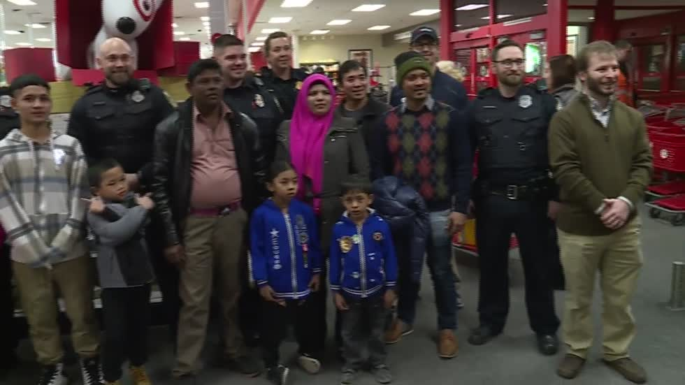 MPD District Six officers take children holiday shopping in Bay View