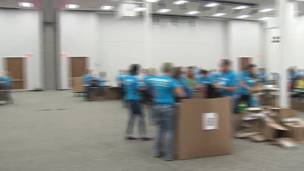 Kohl's employees help MPS students prepare for the upcoming school year