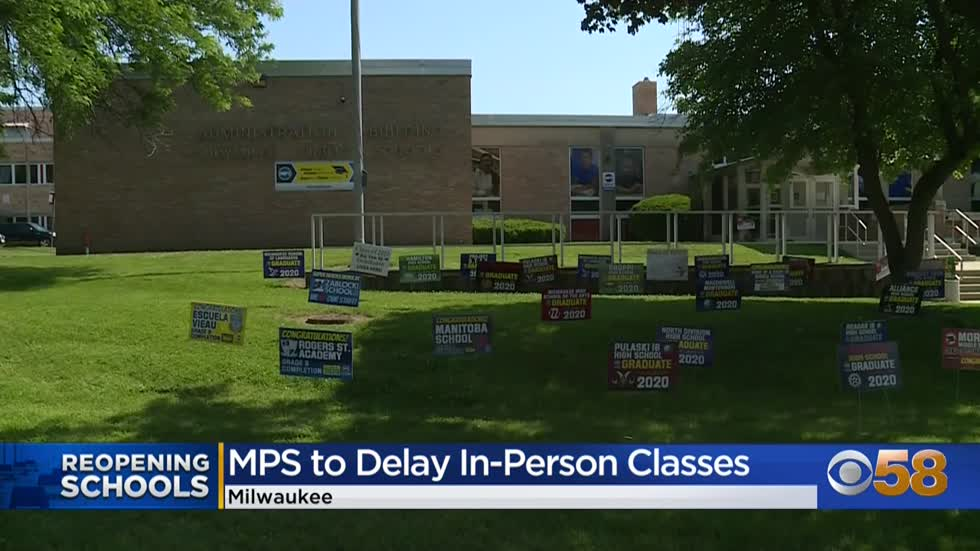 Milwaukee school board delays decision on in-person learning