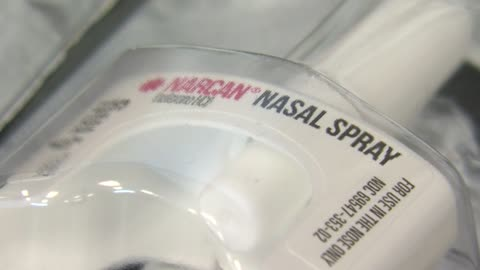 """Everybody should get this:"" Local agencies train as Surgeon General asks as many people as possible to carry Narcan"