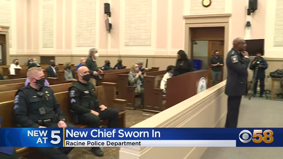 Maurice Robinson sworn in as new Racine police chief