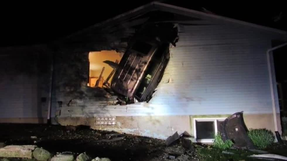 """It was horrible:"" Homeowners speak after car gets lodged on side of house"