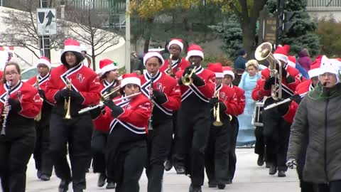 Organizers of Milwaukee Holiday Parade retiring after 90 years, says 2017 parade was their last