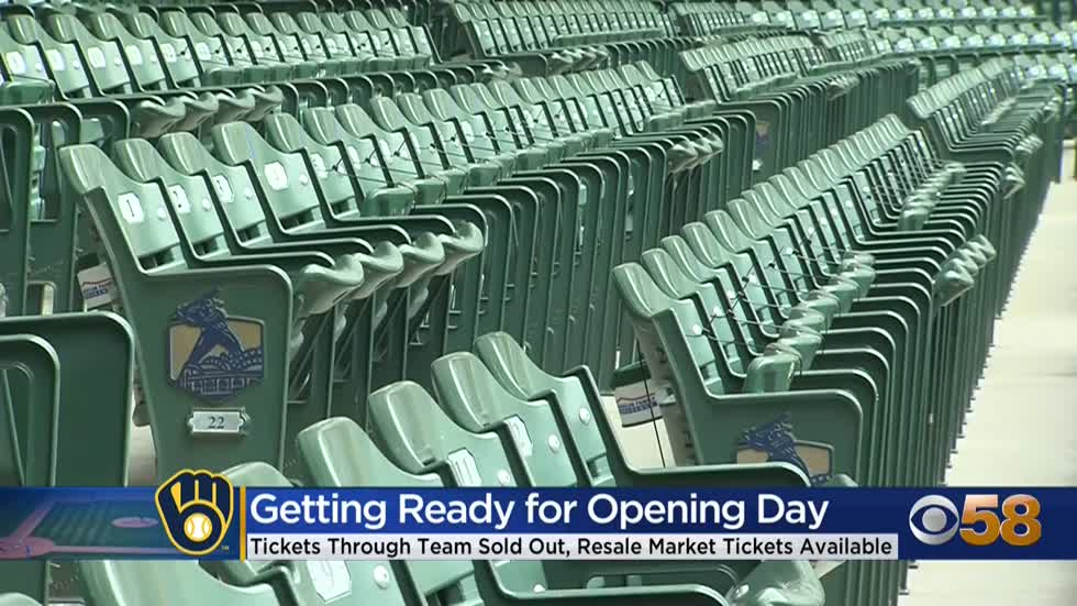 Brewers home opener tickets still available through resale market