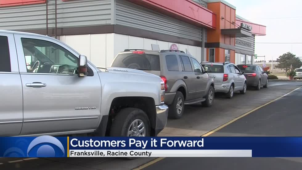 Secret Santa at A&W in Franksville pays it forward with act of kindness that continued for 30 minutes