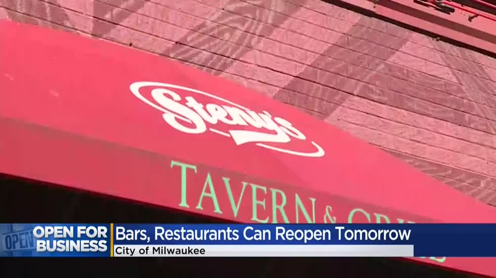 Milwaukee bars and restaurants can reopen at 25% capacity Friday, Mayor Barrett announces