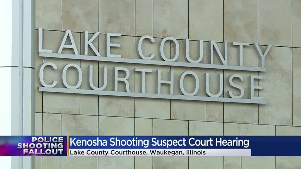 Accused Kenosha shooter remains in Illinois, extradition delayed