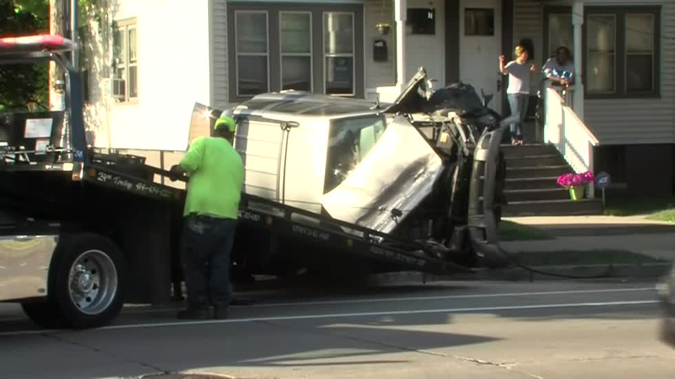 Police searching for driver who caused three crashes, flipped car in Milwaukee's Riverwest neighborhood
