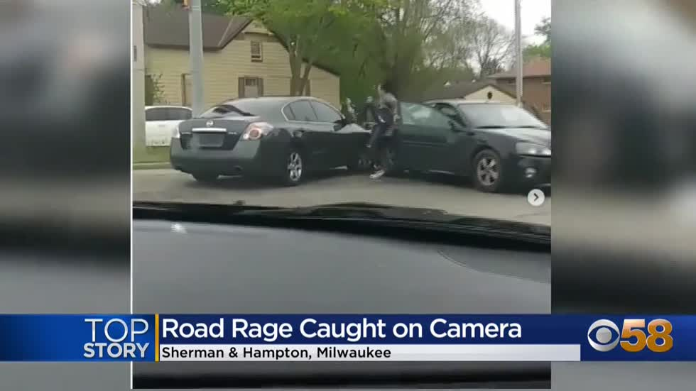 Woman intentionally rams car into vehicle on Milwaukee's north...
