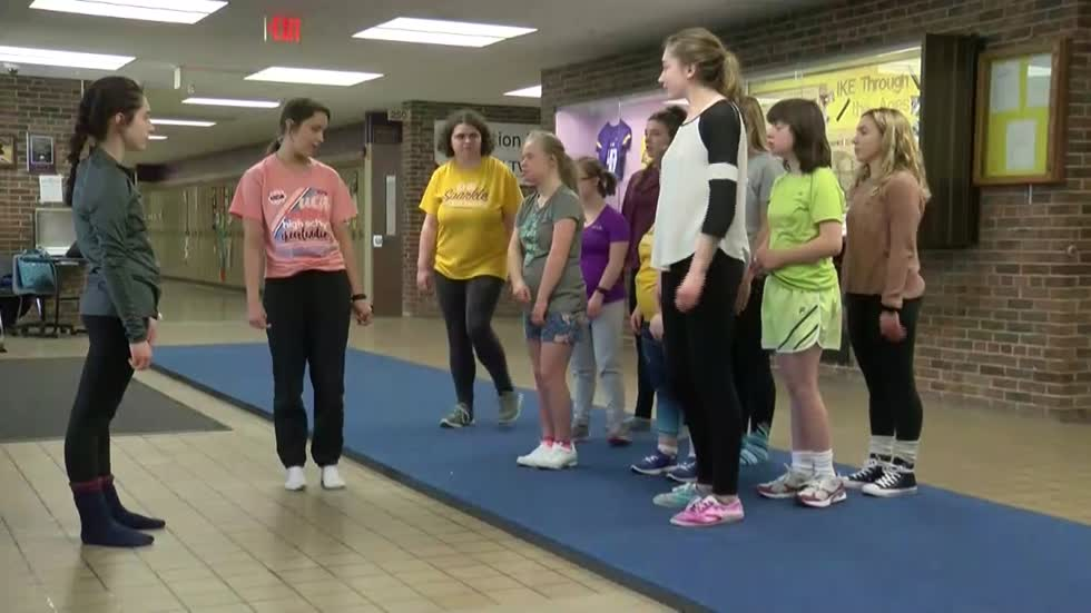 New Berlin Eisenhower Sparkle Cheer Team raising money to perform at ICU World Championships