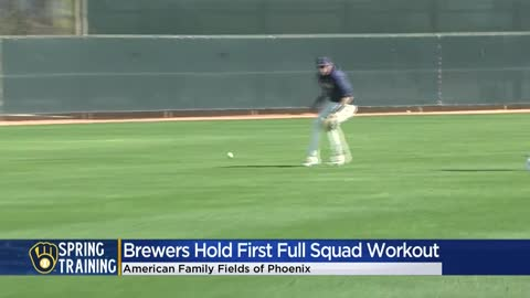 Milwaukee Brewers take part in first workout of spring training