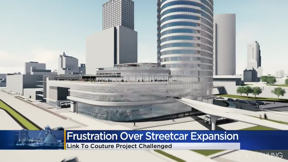 Talk of expanding Milwaukee's streetcar to the lakefront brings frustration at City Hall