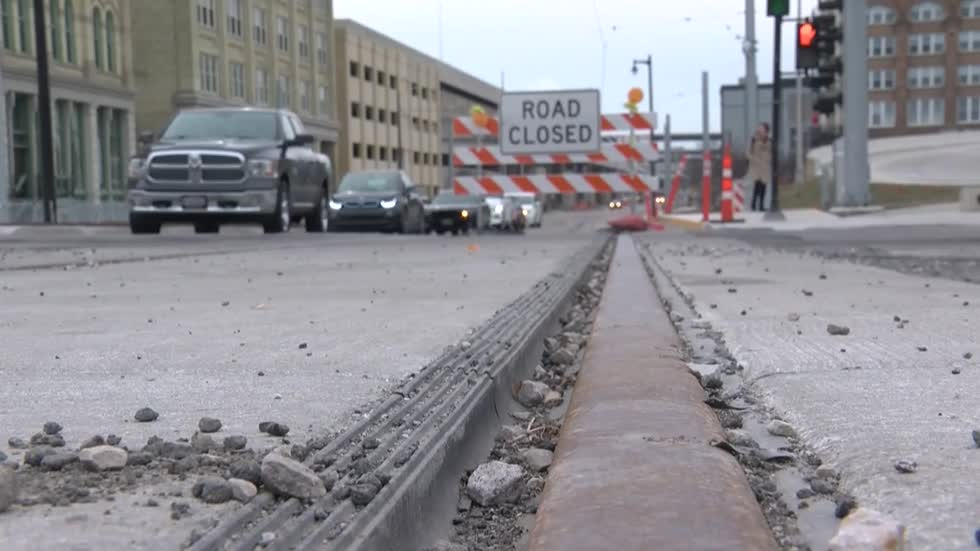 Milwaukee shops fear streetcar testing will hurt business