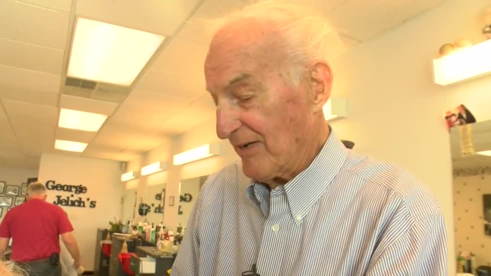 Master Glendale barber celebrates 90th birthday and returns to work