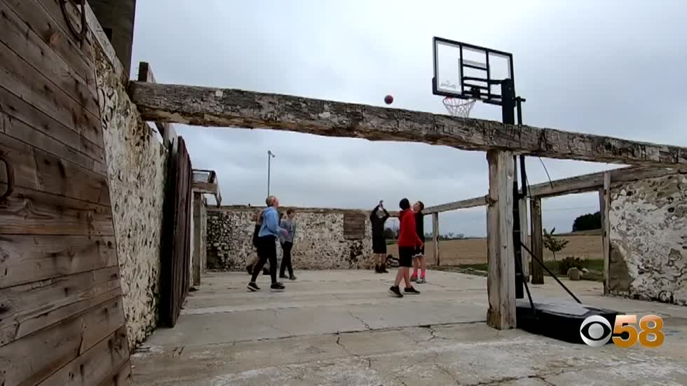 East Troy families barnyard basketball court makes for picturesque hoop matchups