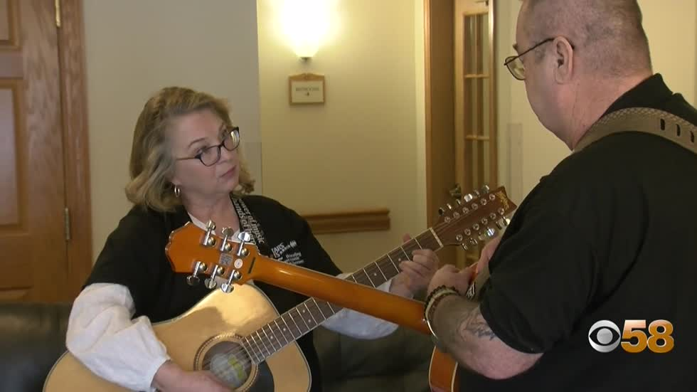 Wisconsin veteran finds community of kindness through music and...