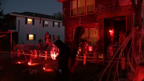 "Cudahy family transforms house into ""Nightmare on East Vogel Avenue"""