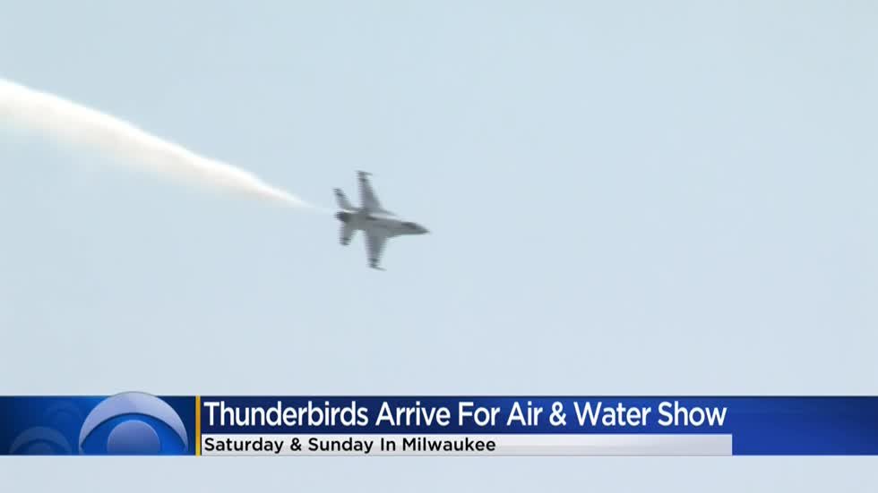 Thunderbirds arrive in Milwaukee for Air and Water Show