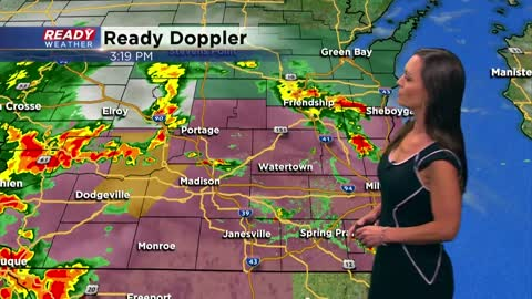Strong to severe storms closing in on southeast Wisconsin