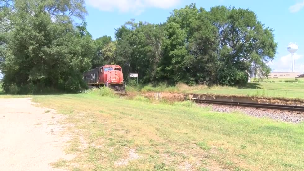 18-year-old struck by train while trying to take video on the tracks