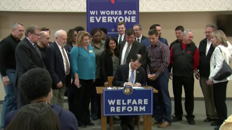 Walker signs sweeping overhaul of state welfare system