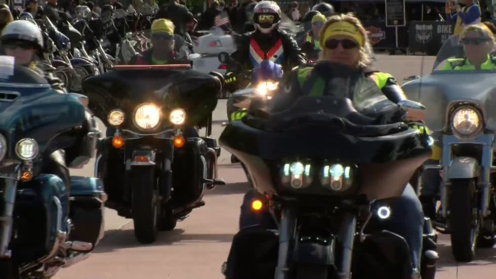 Lady riders mark 114 years of Harley-Davidson with 114 riders during Milwaukee Rally