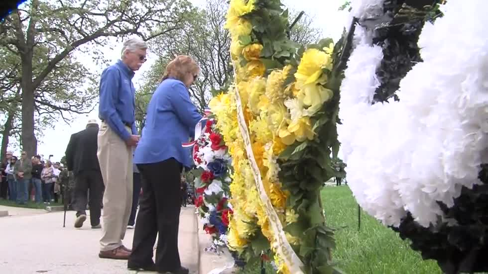 Memorial Day ceremony held at Wood National Cemetery in Milwaukee