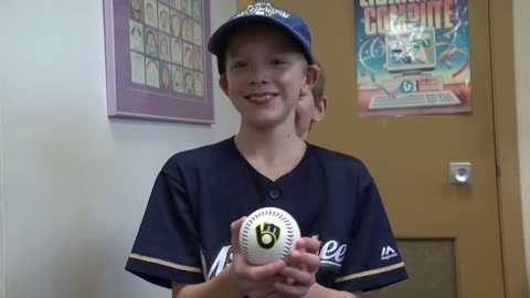 Brewers tweet card sent to Christian Yelich from 8-year-old fan