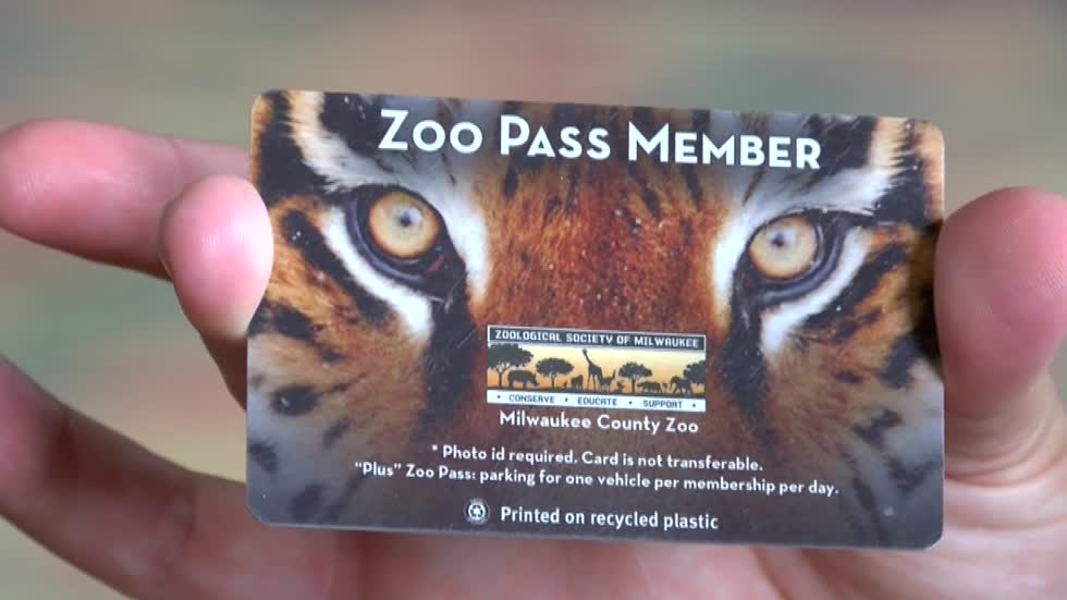 "Policy change means Zoo Pass holders must buy ticket for Milwaukee County Zoo ""Boo at the Zoo"" event"